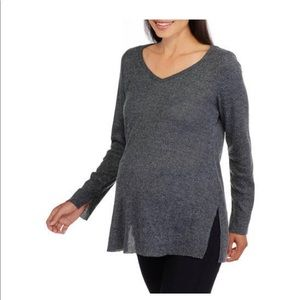 Maternity long sleeve size large